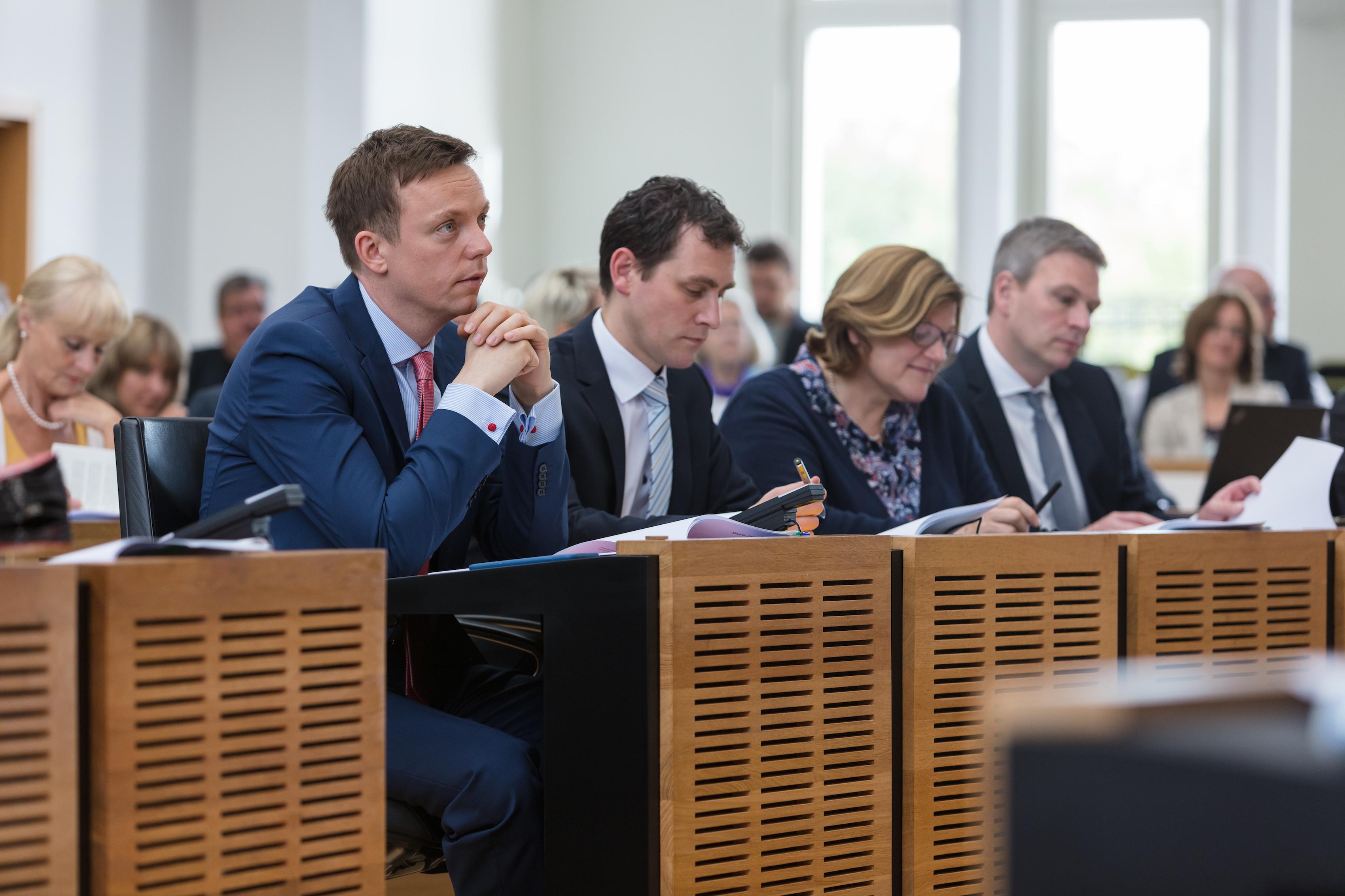 CDU Fraktion des Saarlandes: 11. Landtagssitzung: Verfassungsschutz, Kerosin-Ablass, Landwirtschaft